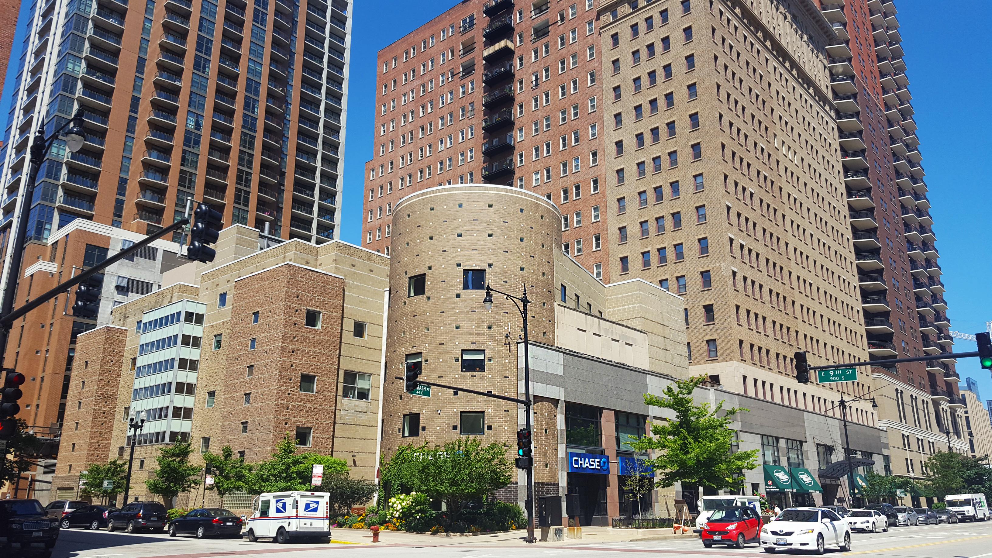 850 S Wabash building
